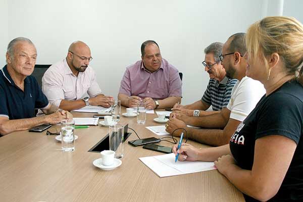 Nova Mesa Diretora discute pautas em prol do município