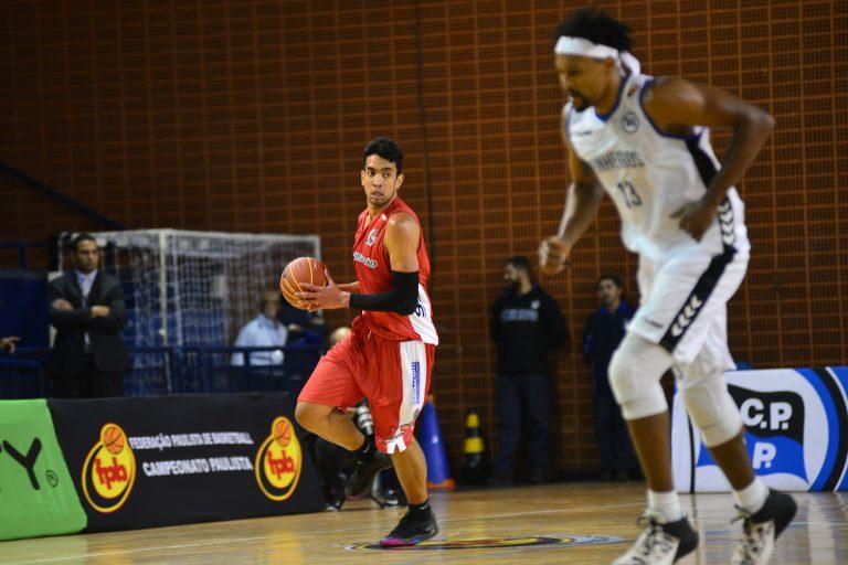 Basket Osasco acerta permanência do ala-pivô Pedro