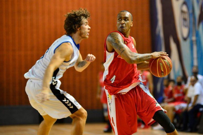 Robinho renova com o Basket Osasco